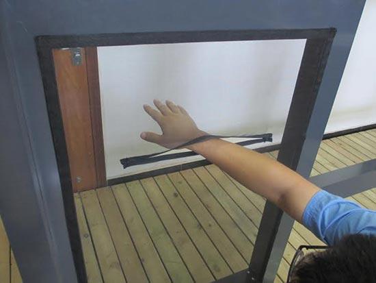 Zanzariera per finestra velux 120x140 apribile con zip - Zanzariera finestra fai da te ...